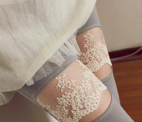 Comfortable Leggings with Lace Pattern Grey