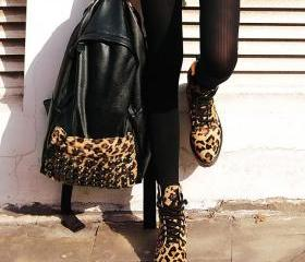 Vintage Leopard Punk Style Skull Rivet Handbag